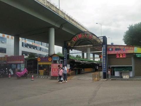 昆明官南立交桥下最牛跳蚤市场,曾经的繁华已褪去,如今这么冷清