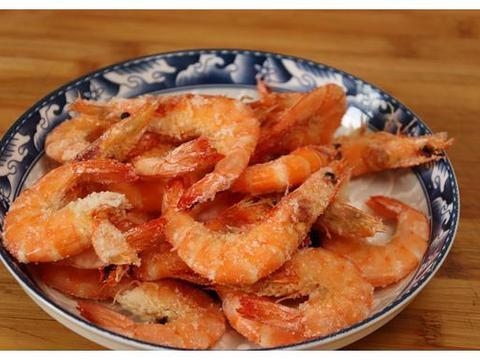 三伏天我家午餐不凑合,大虾扔盐中,简单省事,十分钟搞定