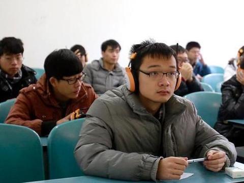 上海语文成绩占比提高,传递了什么信号?2030英语不再纳入高考?