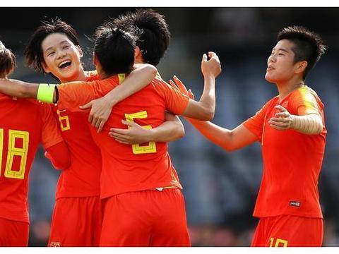 太疯狂!中国女足成首支进入世界杯球队,王霜威武,贾秀全摘果子