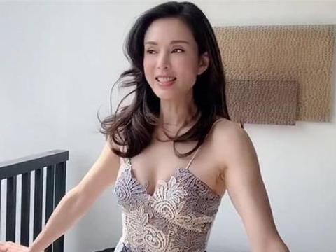 小龙女李若彤至今未婚,坦言后悔没要孩子,已错过最佳生育年龄