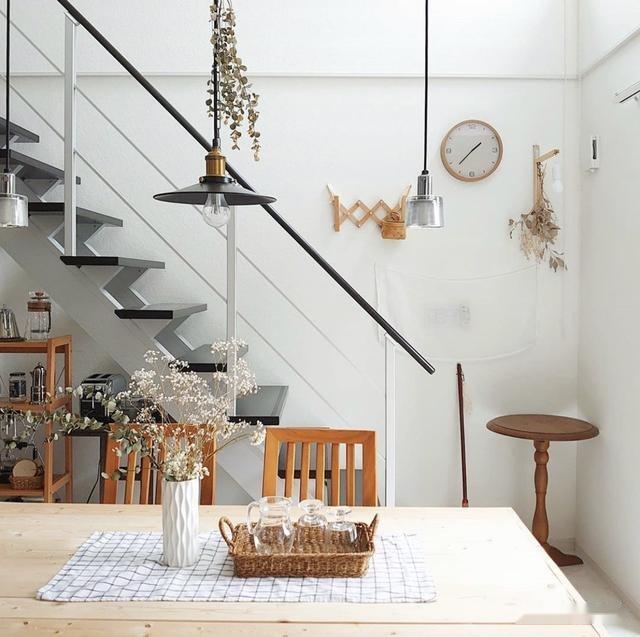 日本97㎡小跃层,妈妈把家打造成摄影棚,为女儿拍出一个妙趣童年