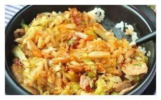 精选美食:香椿炒虾仁、油焖春笋、荠菜肉沫煎蛋、包菜拌饭的做法