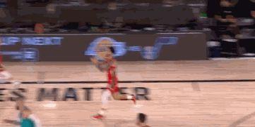 23+7+5!锡安完胜莫兰特,与鲍尔惊艳空接,拼到球鞋都飞了