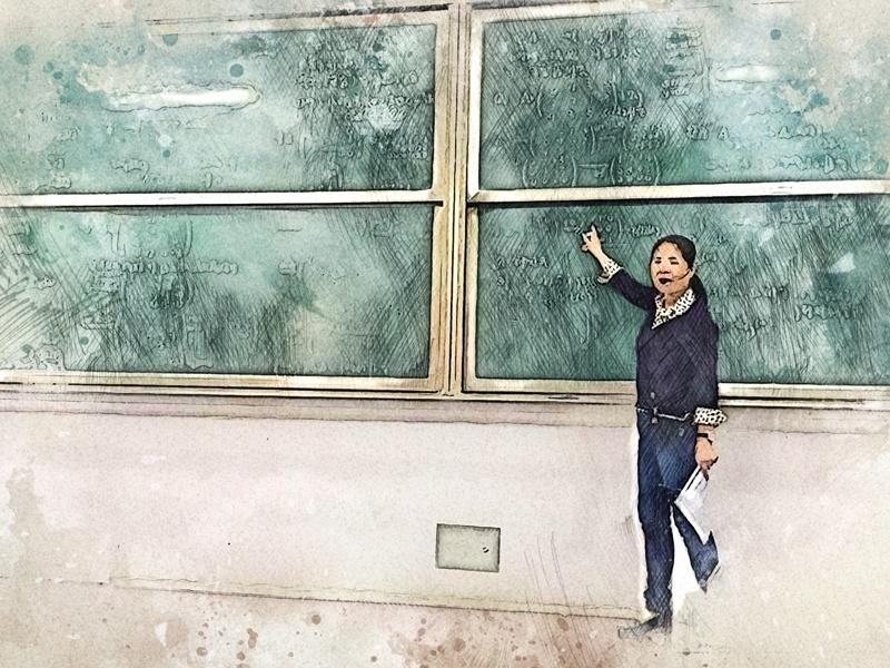 浙江财经大学教授刘晓芬板书授课38年,教育要坚持,更要因材施教
