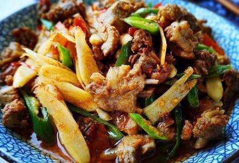 美食推荐:红烧扣肉,蒜蓉粉丝扇贝,仔姜爆鸭腿,豆腐干炒腊肉