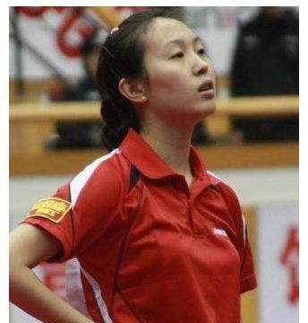 她曾是国乒第一美女,长相清纯,因与马琳谈恋爱被开除出国家队!