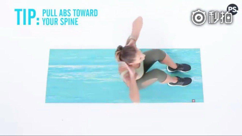 YouTube 上超火的腹肌马甲线训练,几个日常减腹动作……