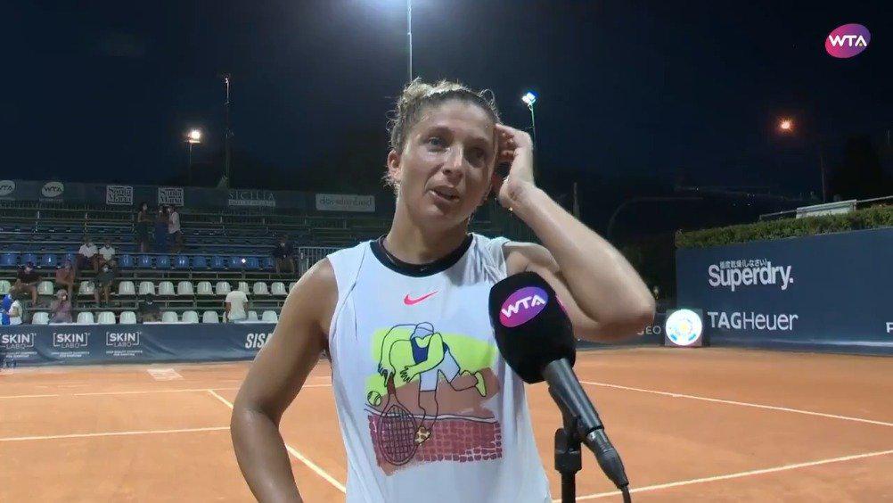 WTA巴勒莫站首轮,持外卡出战的埃拉尼7-5/1-6/6-4击败科斯蒂亚……