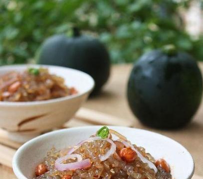 美食推荐:培根炒圆白菜,子姜爆鸭脯,凉拌红薯粉条,香菜炒牛肉