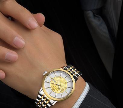 夏天为什么建议买精钢表带的手表?