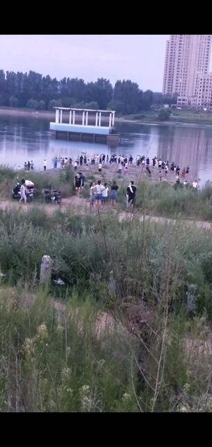 吉林市松花江,四人下水游泳,三个人失踪了…