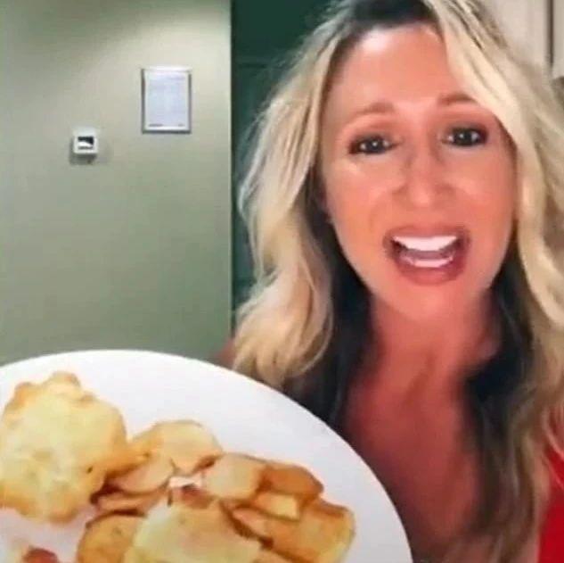 """美国妈妈又靠一道""""炸鱼薯条""""气死英国人,连厨神狗蛋都崩溃了!"""