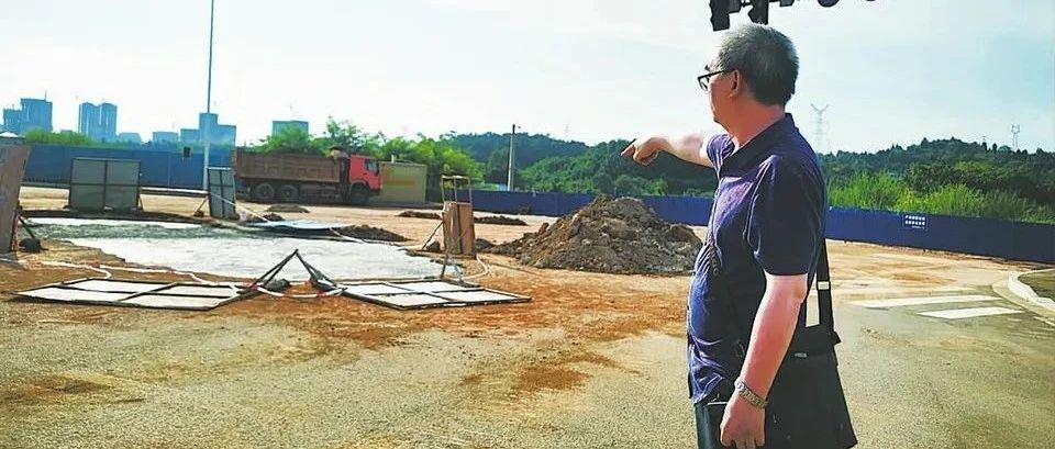 野蛮施工造成南充城区大面积停水 这个责任谁来担?