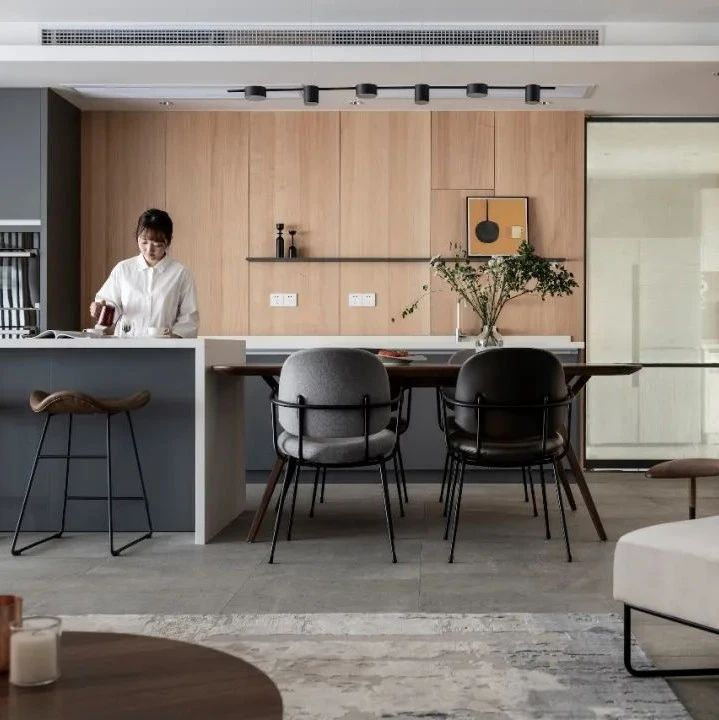 屋主改造   女咖啡店主的220平两居室家,生活是平静、舒缓的,享受当下