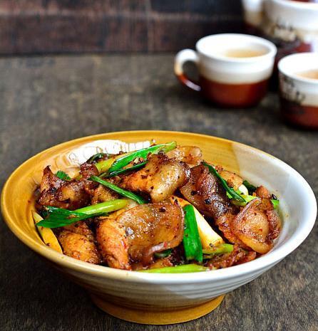 美食精选:黑木耳娃娃菜、干锅土豆片、卤猪脚、蒜苗回锅肉