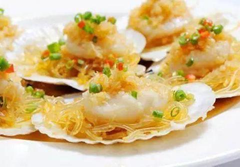 蒜蓉粉丝蒸扇贝、香辣鸡腿炒酸菜、萝卜丝饼、冬笋蘑菇鸡丝的做法