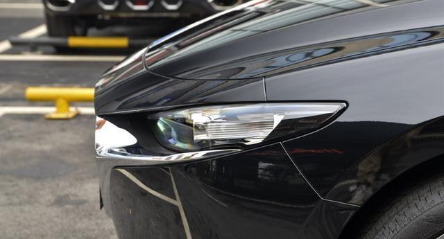一箱油860km,出了名好开,一身精品配LED灯,比思域耐看十倍