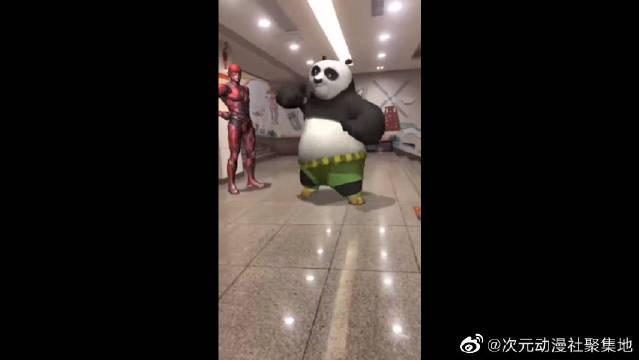 功夫熊猫遇到钢铁侠,中国太极了解一下,怕了吗?