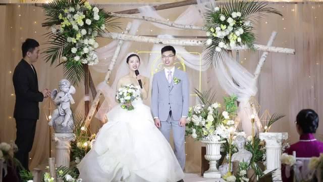 后续,女主结婚视频来了, 女主新加坡高中毕业,多伦多本科……