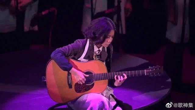陈奕迅倾情演唱《喜帖街》,Eason低沉声线动情诠释格外感人!