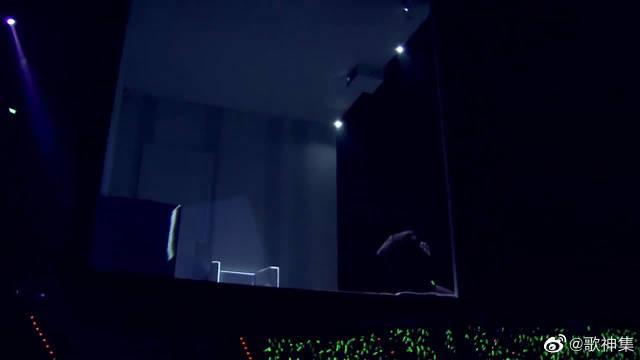 林宥嘉开口唱《心酸》又火了,全场尖叫声不断
