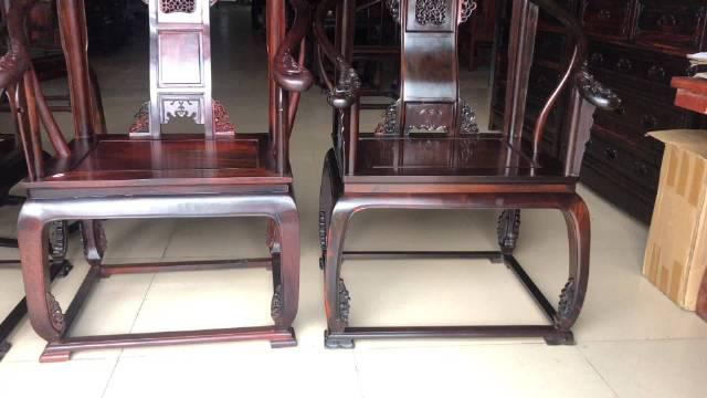 同一材质同一款式的大红酸枝皇宫椅价格相差一倍
