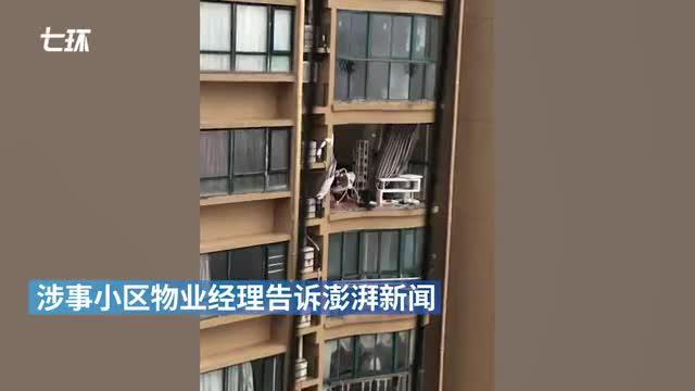 台州一老人台风天关窗坠亡续:官员收巨额贿赂助涉事楼盘验收