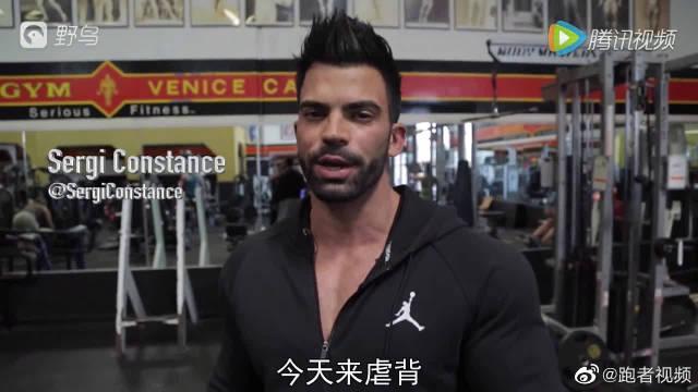西班牙肌肉型男超酷的背部训练,还以为是变形金刚
