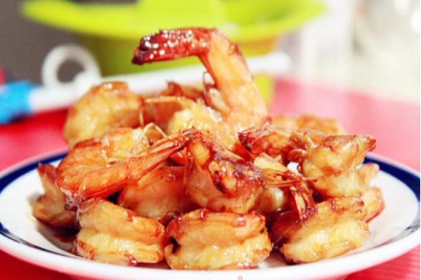 泉水萝卜,油爆虾球,嫩炸牛肉,韭菜煎豆腐的做法