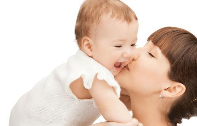 3个月内宝宝每天抱多久合适?抱娃姿势不对,不止影响以后智力