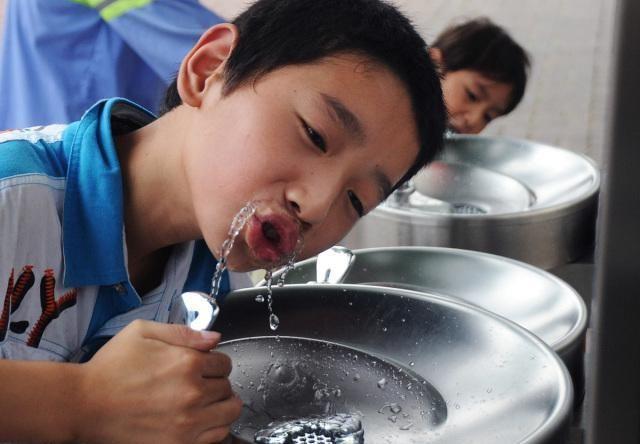 上海快3最新开奖:智能饮水站将建在江西贵溪市的300个自然村!喝健康的水!