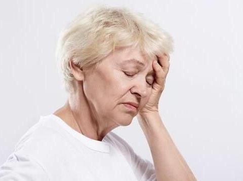 一位退休女士自述:退休5年住儿子家,如今进退两难