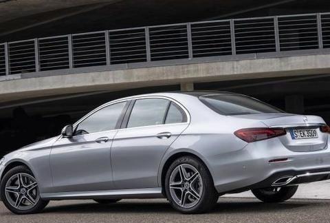 宝马5系和奥迪A6L慌不慌?新款国产奔驰E级将于9月25日上市