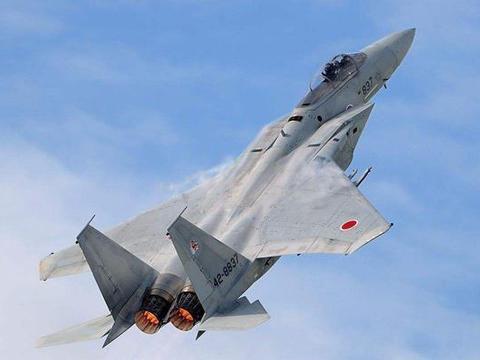 曾号称亚洲最强,日F15J战机已老旧经常掉零件,修修补补继续用