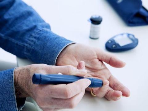 糖尿病前期,常会出现8个身体征兆,及早控糖,不必服药打针