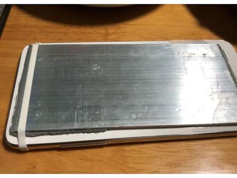 网友改装锤子M1手机,加装硅脂散热片,老罗看了估计都会心动