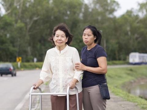 为什么说现在去养老院是一种社会趋势?你会反驳吗?