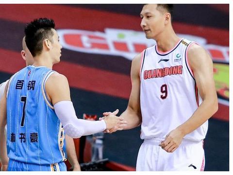 国家队罚篮都不准?苏群解说时几句玩笑话,全都是中国篮球的痛处