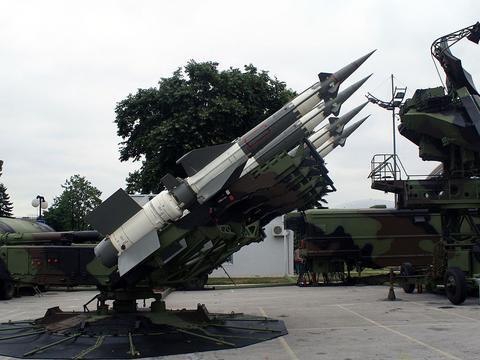 红旗22地空导弹首次出口,欧洲友好国家很识货,比红旗9更实惠