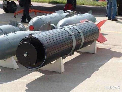 石墨炸弹对电磁弹射航母有威胁吗?