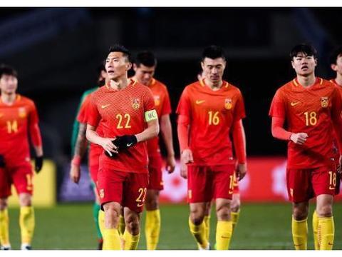 足球天才,在国内无球可踢沦落搬砖,为生计转韩国籍,被骂国贼