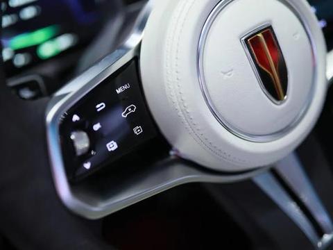买不起红旗H9,可以看看新款H7,同款造型,搭2.0T爆252马力