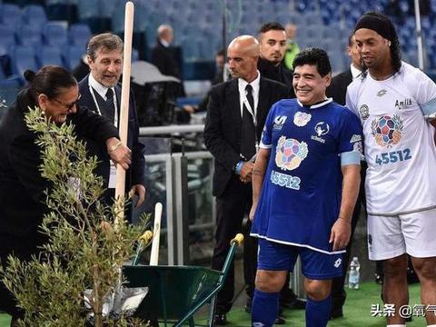 罗纳尔迪尼奥将被释放!跟梅西做邻居?还是复出为马拉多纳踢球?