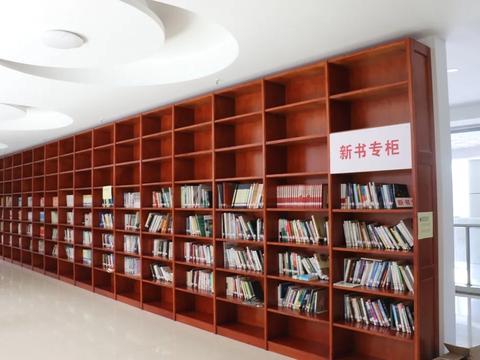 用阅读之光照亮精神家园 县图书馆藏书突破20万