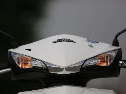 又一良心通勤摩托!8马力110cc,高速100一样稳,均价仅1.2万
