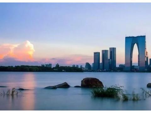 逃离深圳,他回苏州买下130平的复式楼恣意山水,厨房太有品味了