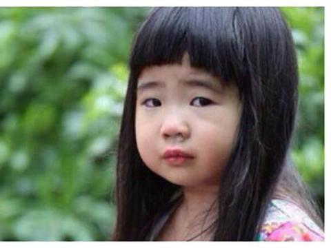 """曾说曹格女儿是""""丑星二代""""?如今女大十八变,越来越美十分可爱"""