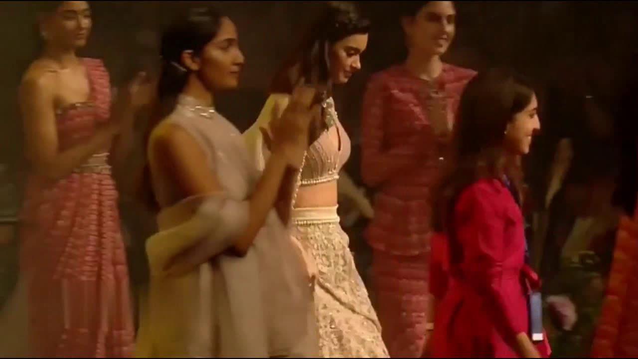 戴安娜Penty 2020印度高级成衣时装走秀