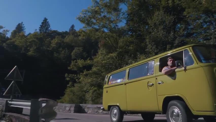 意大利组合SHANGUY新单《Back To Life》MV
